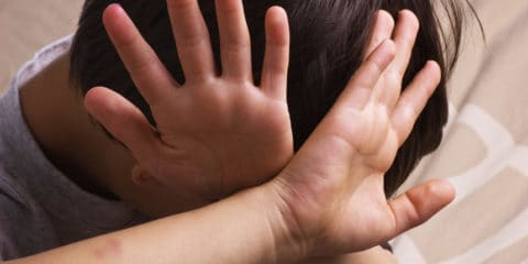 آزار فیزیکی کودکان
