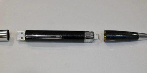خودکار ChargeWrite با قابلیت شارژ تلفن همراه