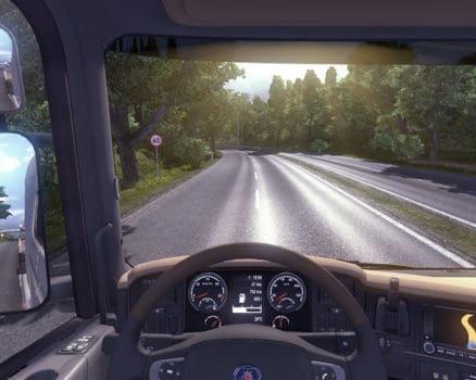 این بازی ها شامل به دست گرفتن کنترل وسایل نقلیه واقعی از جمله تانک ها ، کشتی ها و صنایع هوایی می باشد
