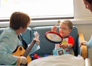 کودکان و تاثیرات موسیقی درمانی