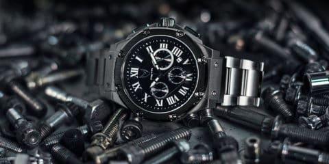 ساعت مچی تیتانیوم یا استیل؟ کدام مناسب شماست؟