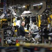 PSA و رقیب آلمانی ان برای تبدیل شدن به یک غول خودروسازی راه دشواری را در پیش دارند .