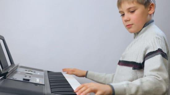 یادگیری موسیقی بدون معلم در منزل