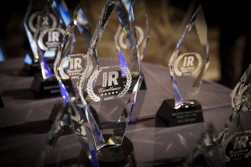 بهترین خرده فروشی های اینترنتی در سال ۲۰۱۷ – طبق اعلام سومین جشنواره ی سالانه ی e-tailers