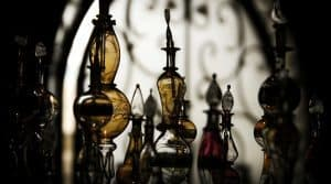 تاریخچه استفاده از عطر و ادکلن از دوران باستان تاکنون