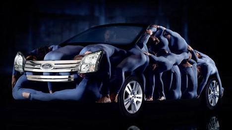 تبلیغات های خلاقانه خودروسازی ها برای فروش محصولات
