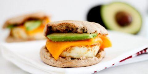 طرز تهیه ساندویچ تخم مرغ ساده برای صبحانه