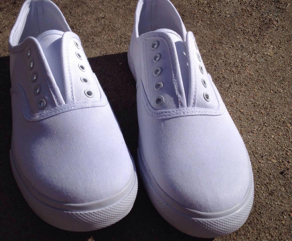 شخصیسازی کفشها با نقاشی