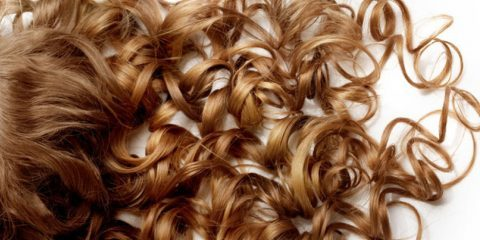 فرکردن موها را با ابزارهای حرارتی در منزل انجام دهید