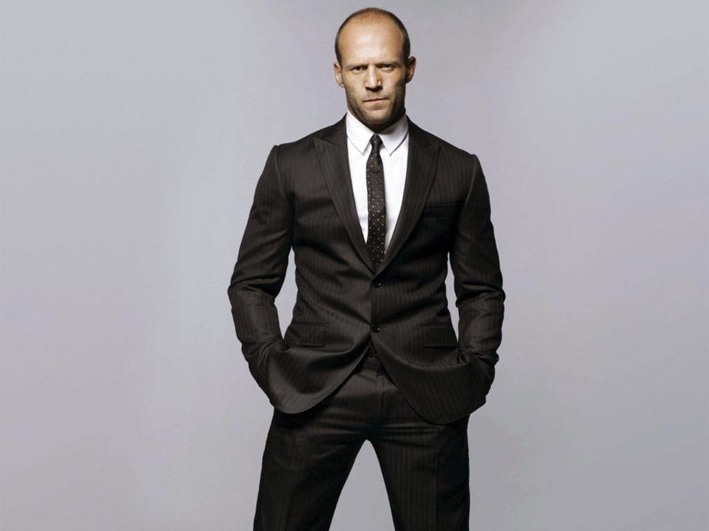لباس پوشیدن یک مرد موفق ، حرفهای و قدرتمند چه ویژگیهایی دارد؟
