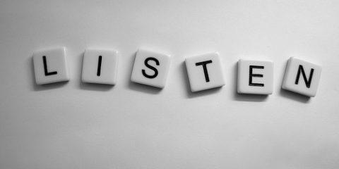 گوش دادن فعال در گفتگوها