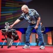 ربات سگ نامه رسان (ربات اسپات) در کنفرانس TED2017