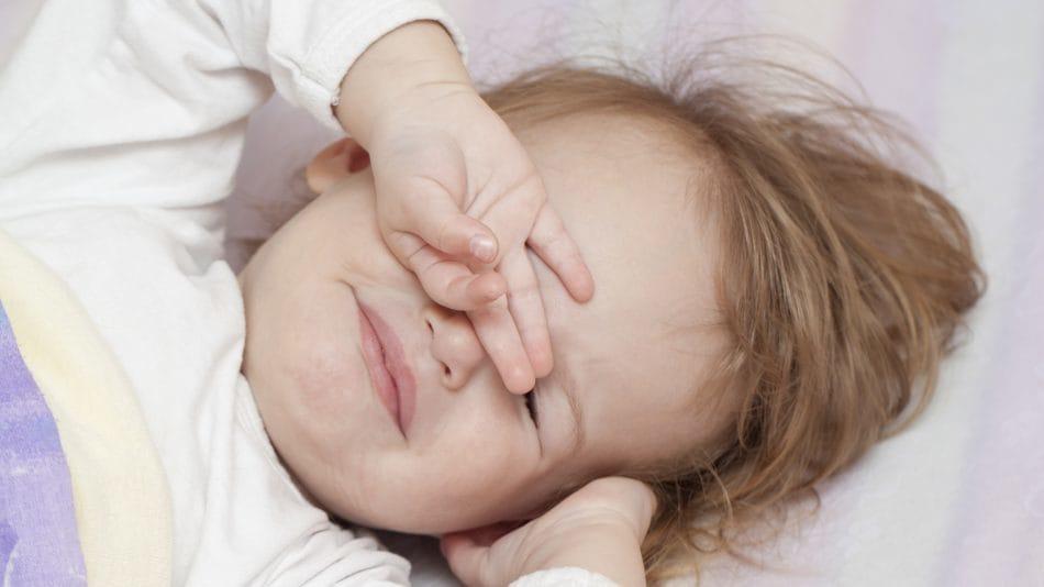چطور با چهرهای زیبا و با نشاط از خواب برخیزیم؟