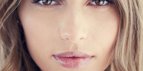 راهنمای آرایش ملایم بهاری به زیباترین شکل با چند ترفند ساده