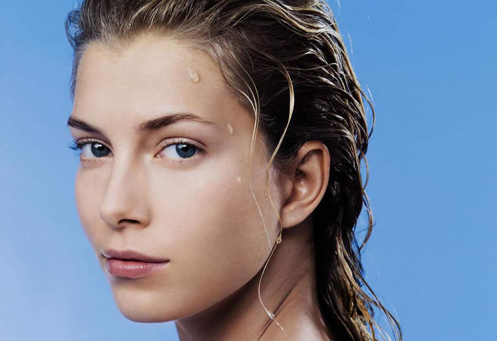 با این ترفندها بدون آرایش و فونداسیون پوست زیبایی داشته باشید