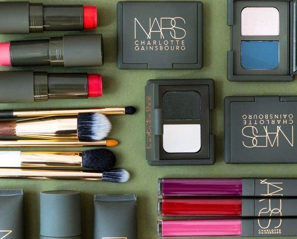 راهنمای کامل انتخاب و خرید صحیح لوازم آرایشی برای خانمها