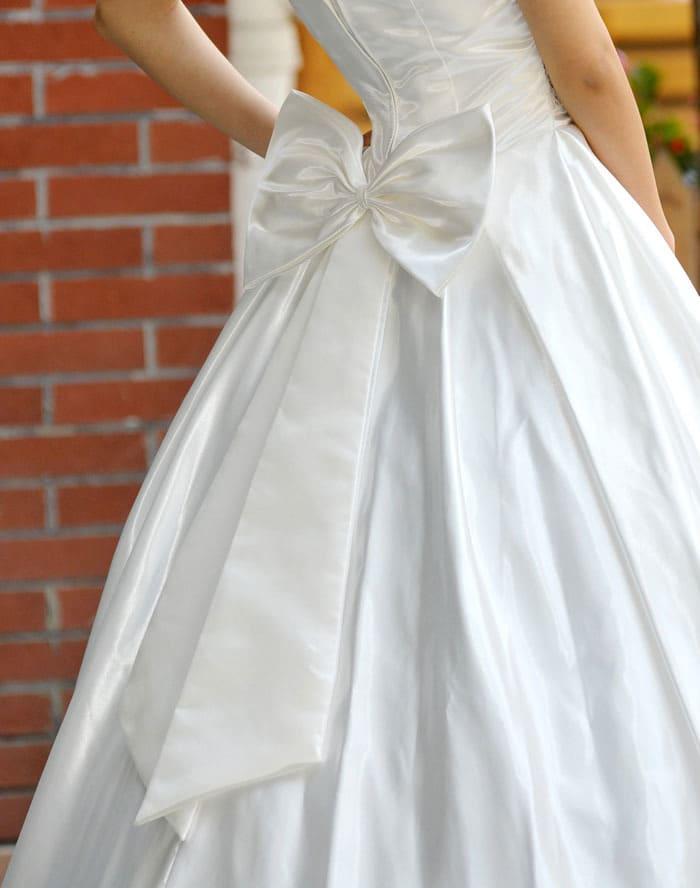 پاپیون لباس عروس