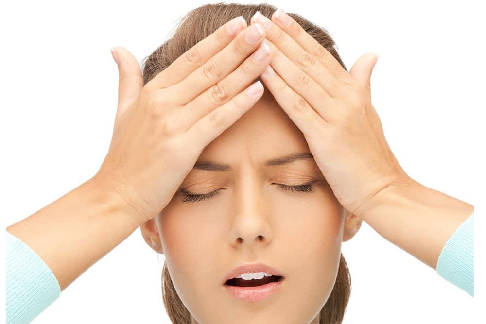 سردرد ناشی از کمآبی بدن چیست و چگونه درمان میشود
