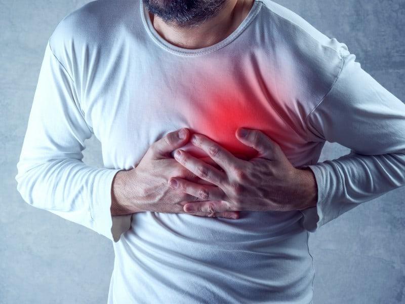 درد قفسه سینه و دلالیل رایج آن