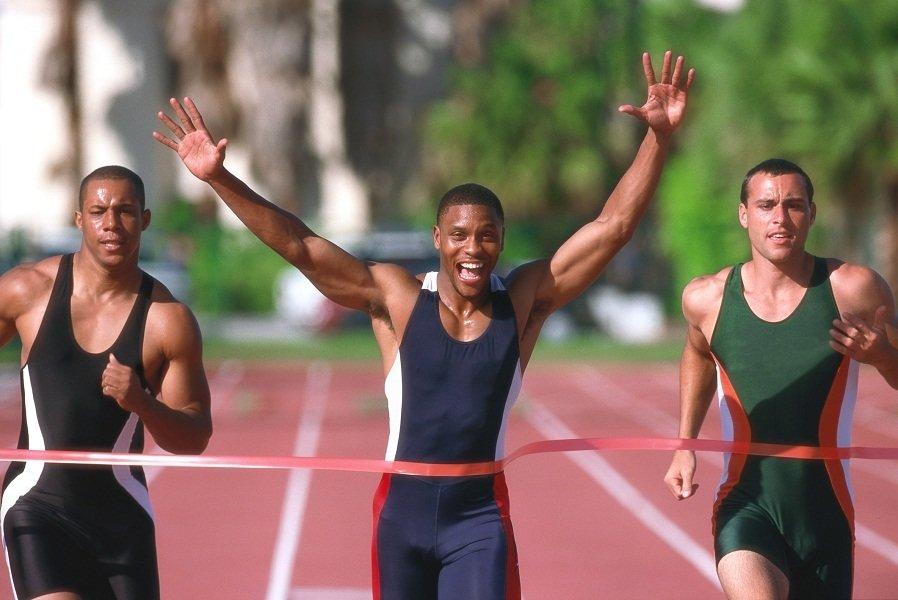 مردان جوان دونده