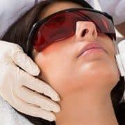 نکاتی که قبل از انجام لیزر موهای زائد بدن و صورت باید بدانید