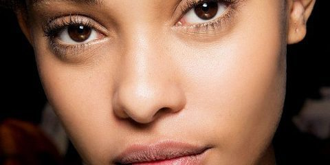 چند روش ساده و موثر خانگی برای درمان چشمان پف کرده