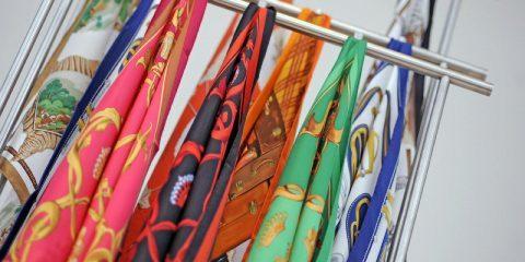 چند روش متفاوت و مد روز برای گره زدن و بستن شال و روسری