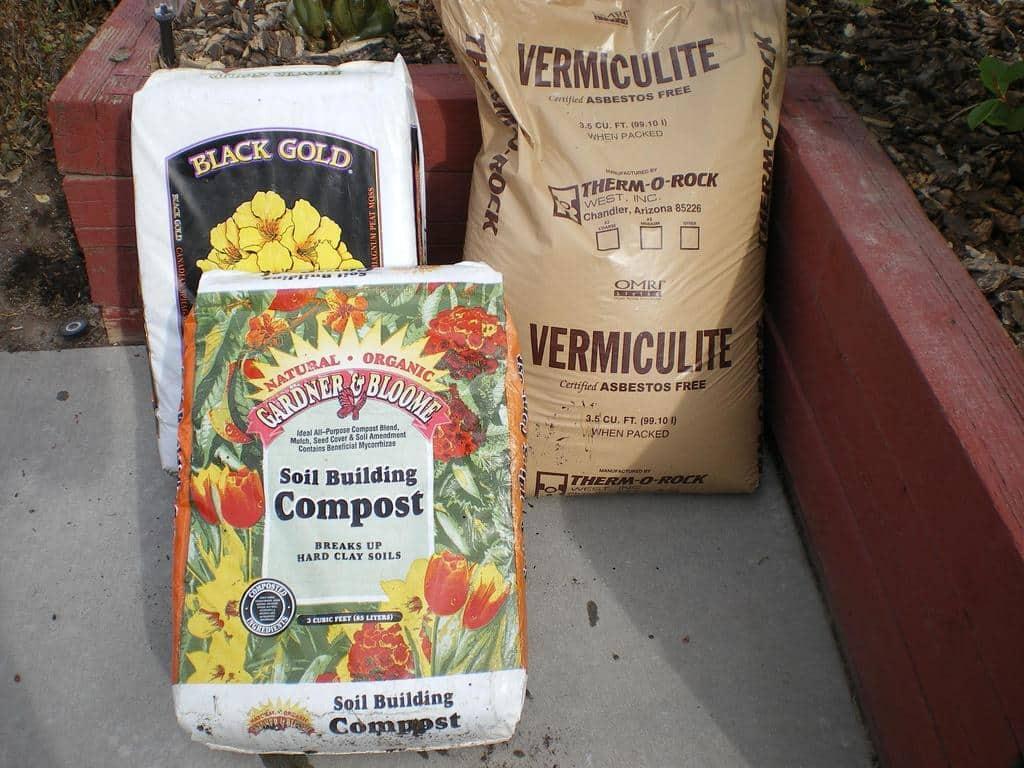 خاک مناسب باغبانی فوت مربع