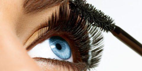 با انتخاب ریمل مناسب و یادگیری روش صحیح ریمل زدن چشمانی زیبا داشته باشید