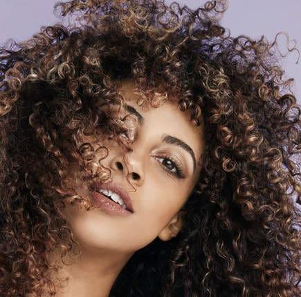 ترفند رنگ موی زیبا برای موی مشکی