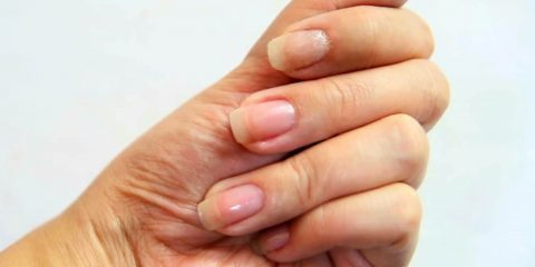 ناخن شکسته خود را با این روش مانند روز اول درست کنید