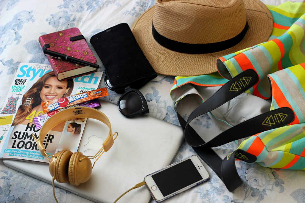 چند وسیله ضروری که برای راحتی و شیکپوشی در سفرهای تابستانی نیاز دارید
