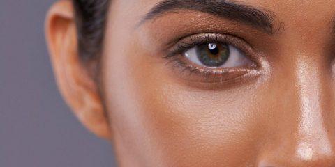 چگونه روزنههای پوست را تخلیه، پاکسازی و کوچک کنید؟