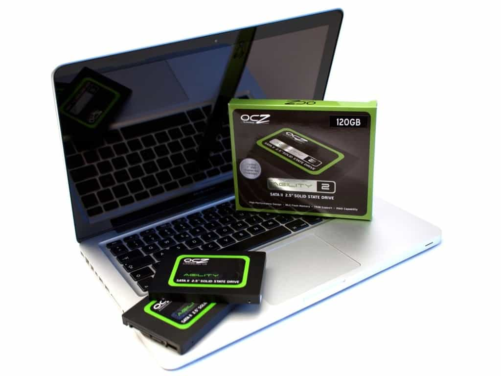 بهترین هارد لپ تاپ را چگونه انتخاب کنیم؟ هارد SSD یا مکانیکی کدامیک بهتر است؟