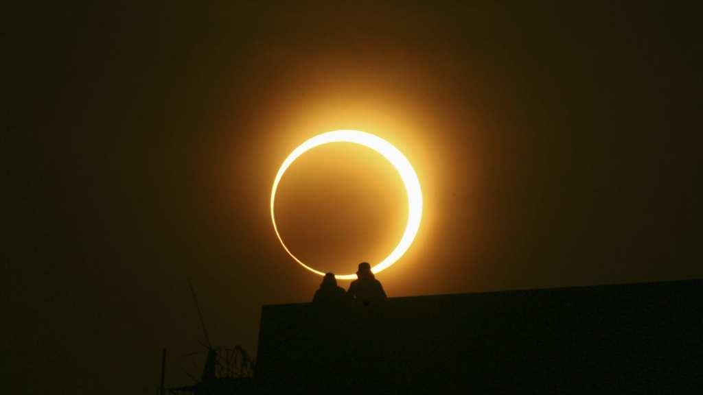 پنج تجربهی علمی جالبی که در خلال وقوع خورشید گرفتگی کامل میتوان انجام داد