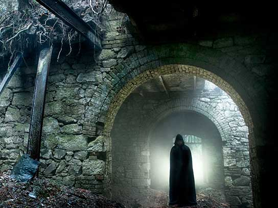 داستان ترسناک ارواح قلعه