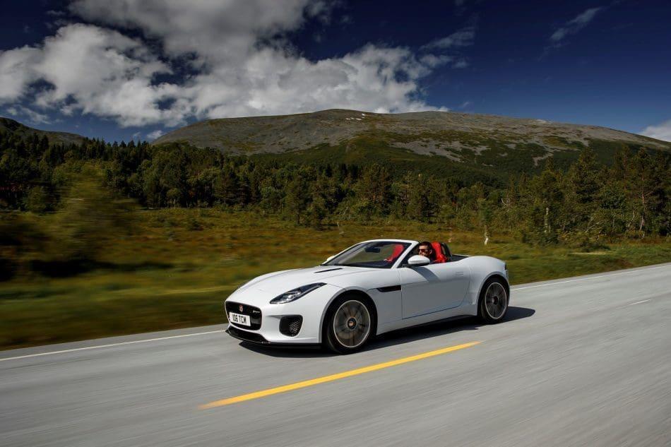بررسی مدل جدید خودروی F-Type