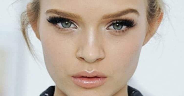 ترفندهای آرایشی لبهای بزرگ