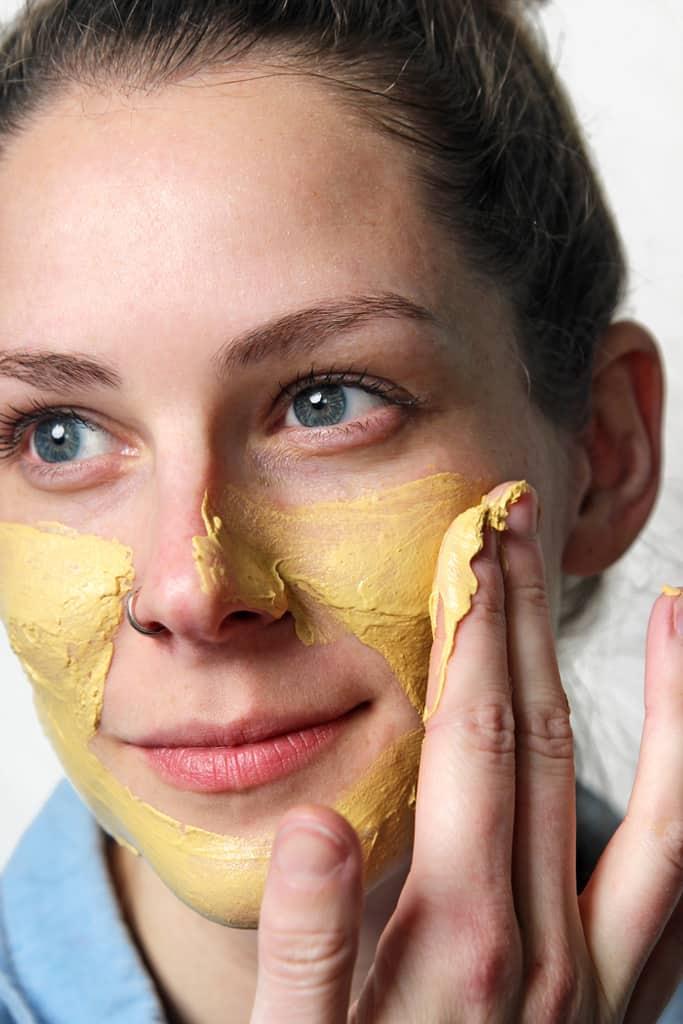 آیا از فواید درمانی زردچوبه برای سلامت پوست آگاه هستید؟