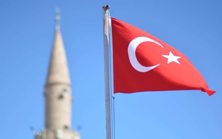 معمولاً از جولای تا نیمههای سپتامبر، نواحی ساحلی ترکیه بسیار شلوغ هستند