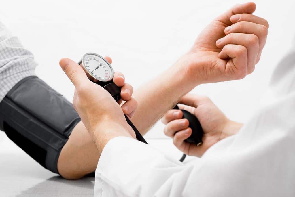 این دارو برای درمان فشار خون بالا در بزرگسالان و کودکان بالاتر از 6 سال استفاده میگردد.