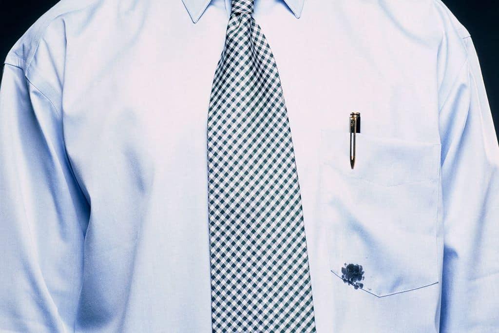 لکه جوهر و خودکار را به این روش از روی لباسها پاک کنید