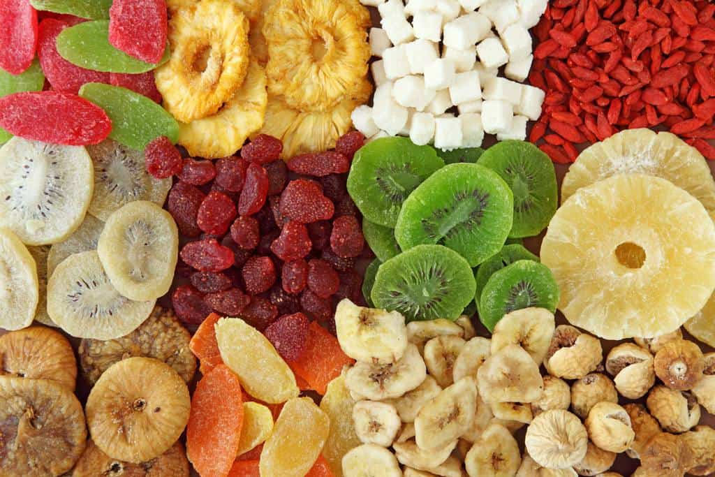 میوه های خشک در یخچال
