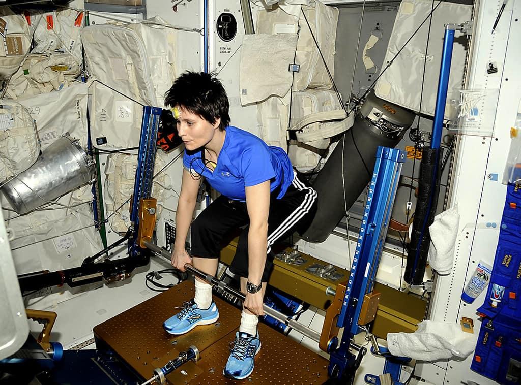 ورزش فضانوردان