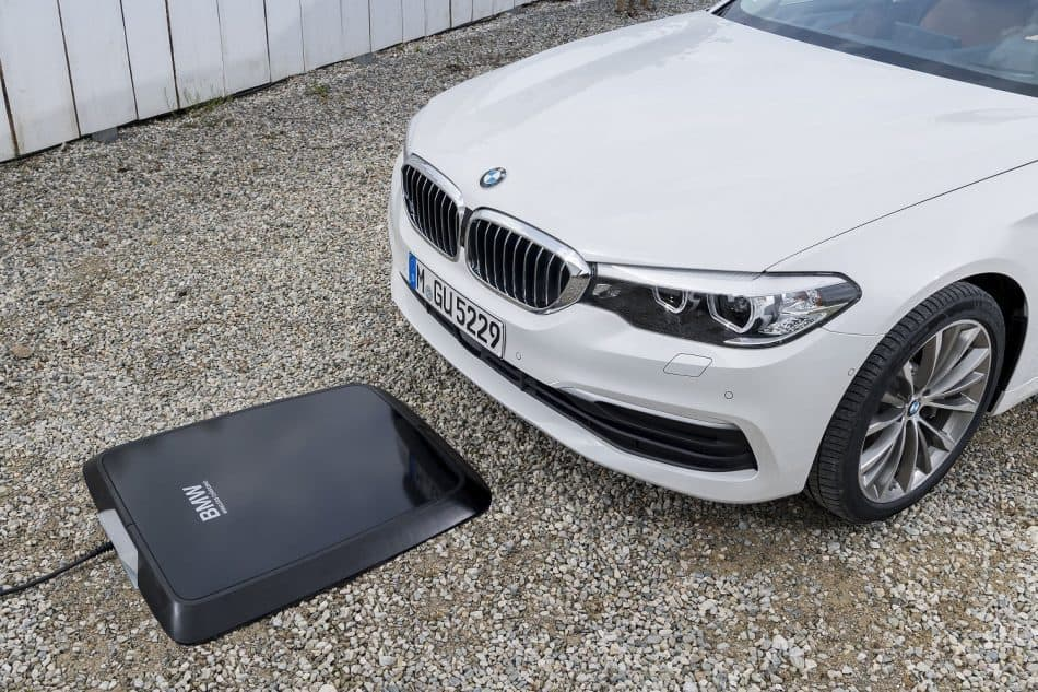 ساخت پد شارژ بی سیم BMW