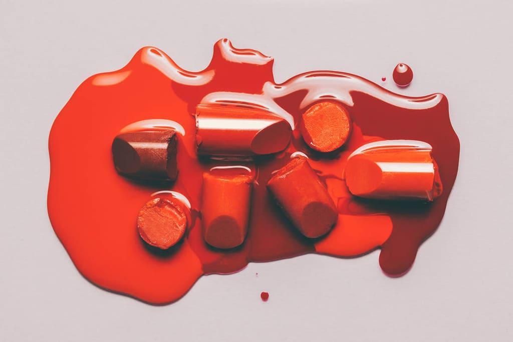 کدام رژ لب قرمز رنگ به شما میآید؟ به این روش آن را پیدا کنید