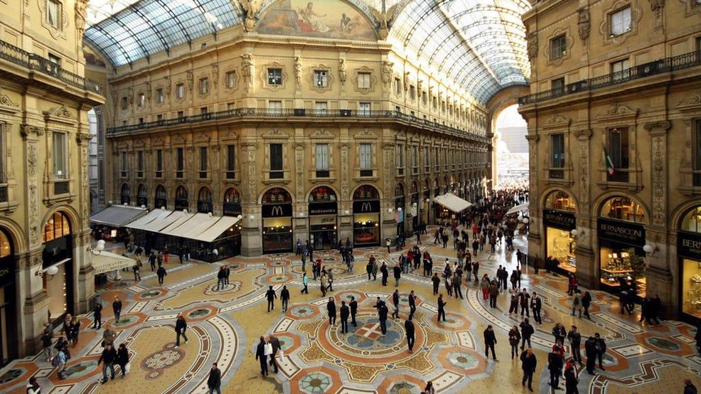 کشور ایتالیا را میتوان تقریباً یک کشورِ گران محسوب کرد.