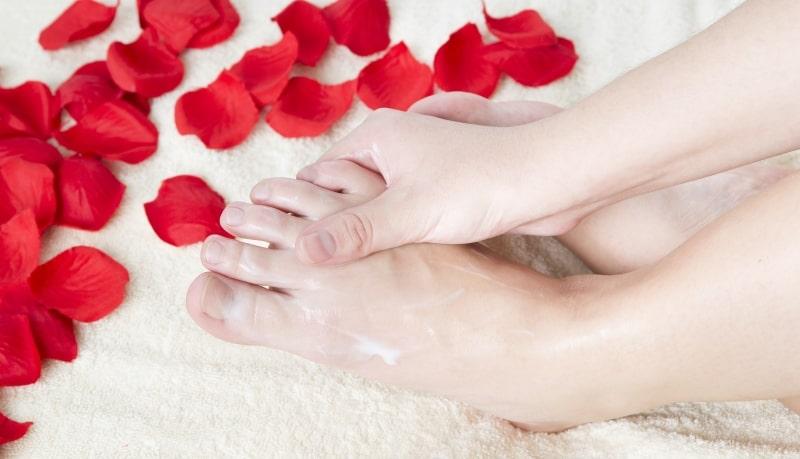 رفع بوی پا با درمان خانگی
