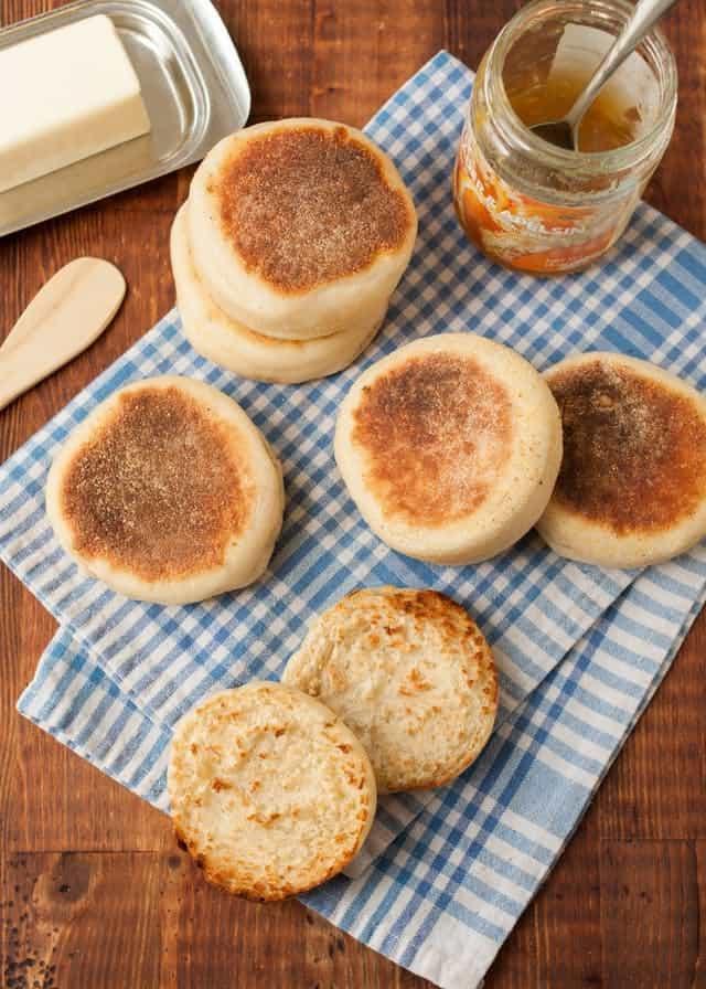سرو کردن نان مافین انگلیسی