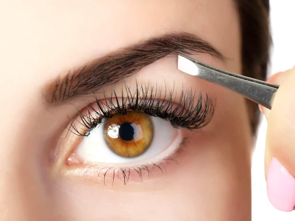 چند باور غلط درباره آرایش و زیبایی ابروها که بهتر است فراموش کنید